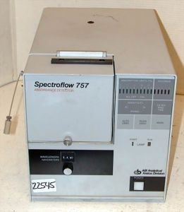 Applied BioSystems Kratos Spectroflow 757 HPLC UV Detector