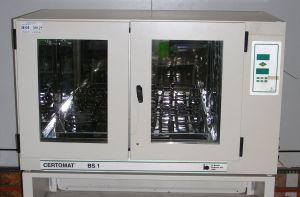B Braun Biotech Certomat BS-1/25 mm Shaking Incubator