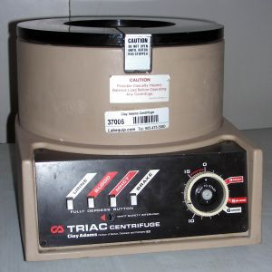 Clay Adams Triac (0200) Bench-model, Three-speed Centrifuge
