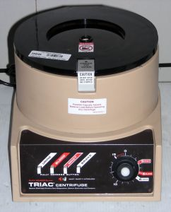 Clay Adams Triac 420200 Bench-model, Three-speed Centrifuge