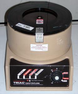Clay Adams Triac 420200 Bench-model, Three-speed Centrifuge