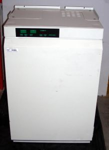 Fisher Scientific Isotemp Plus FIPCO5000DABB Water-Jacketed CO2 Incubator with Humidity