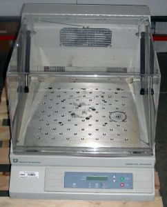 Forma Scientific 420 Shaking Incubator