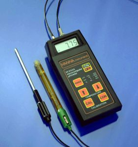 Hanna Instruments HI 8424N Digital, Portable pH Meter