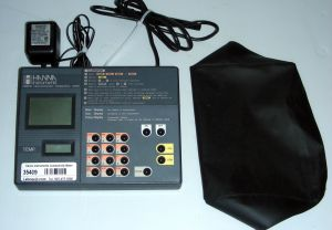 Hanna Instruments HI 9032 Conductivity-TDS-Salinity Meter