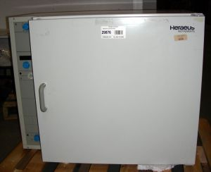 Heraeus B-6120  (50Hz) Gravity-Convection Incubator