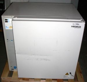 Heraeus BB 6220 Air-Jacketed CO2 Incubator