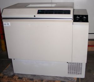 Lab-Line 3531-6 Refrigerated, Shaking Incubator