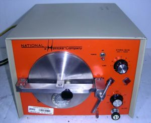 National Heinicke Steril-Quik 704-7000-7 Bench-model Autoclave Sterilizer