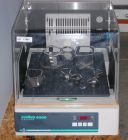 New Brunswick Scientific Innova 4000 (M1192-0003) Shaking Incubator