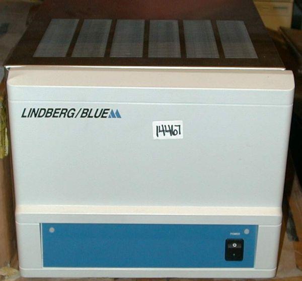 Blue-M Electric RWB-3220A Chiller  /  Cooler